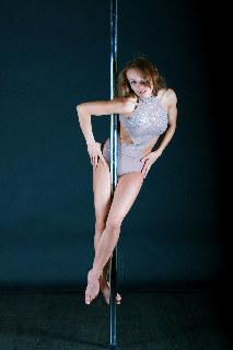 Olga, incredible pole
