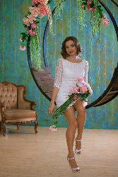 Alenka, white in style